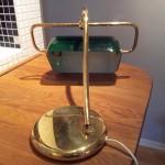 Bordslampa i mässing trasig